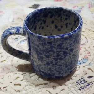 Vintage original blue/white splatter cup